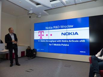 Nokia z T-Mobile - pokaz transmisji mobilnej z prędkością 1.2 Gbits
