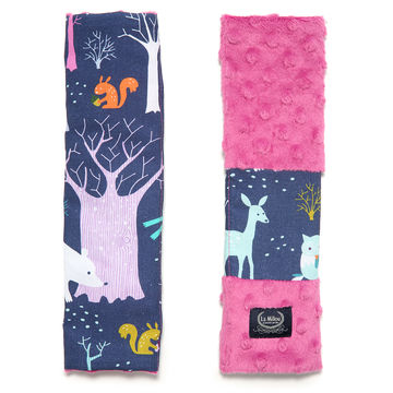 SEATBELT COVER - WOODLAND - RASPBERRY