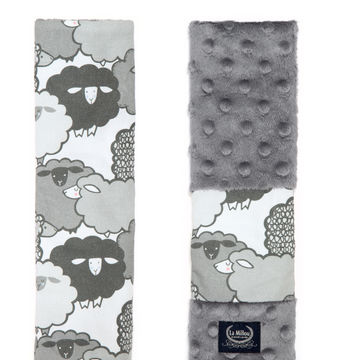 SEATBELT COVER - GRAPHITE SHEEP FAMILY - GREY