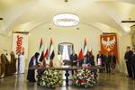 Minister Jędrzejczak podpisuje umowę o współpracy turystycznej ze Zjednoczonymi Emiratami Arabskimi
